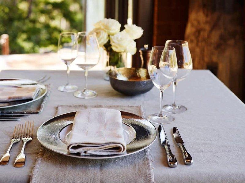 Extraordinary Australian Dining Experiences : PRETTY BEACH HOUSE Luxury Beach Accommodation NSW Australia 5 Star Australia2 from fivestaraustralia.com size 800 x 599 jpeg 178kB